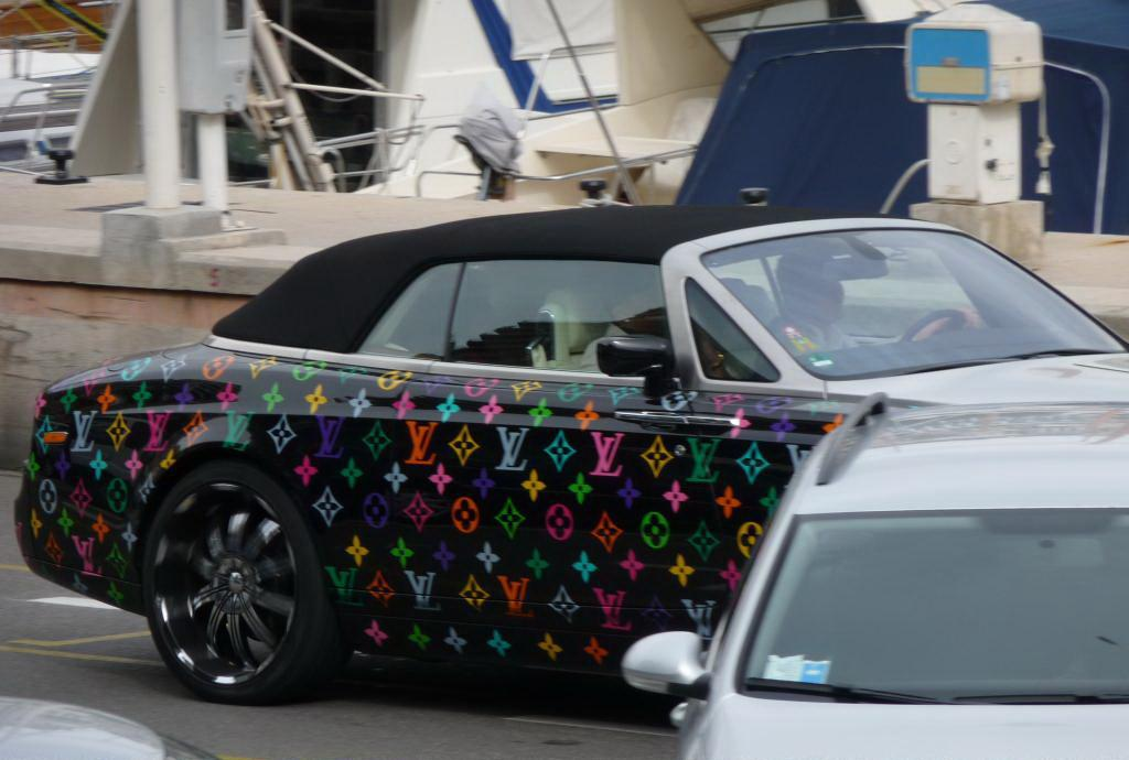 Rolls royce drophead coupe dressed by louis vuitton2
