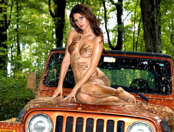 [Obrazek: Girl-on-Jeep.jpg]
