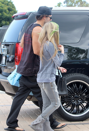 Avril Lavigne Cadillac Escalade