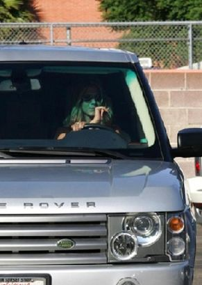 jennifer-aniston-range-rover