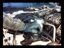Replacing-Faulty-Gas-Struts